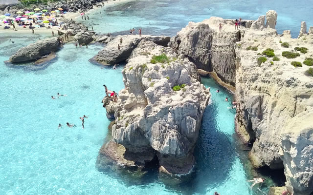 From Capo Vaticano to Murenario of S�Irene