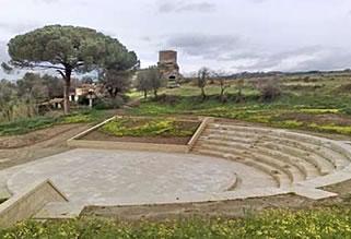 Torre Marrana e il teatro